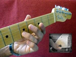 come accordare la chitarra elettrica manualmente