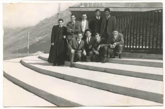 Fratel Mario Gita organizzata, Fratel Mario con alcuni fedeli