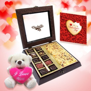 Valentino Chocolate Cake and Sweet Teddy box