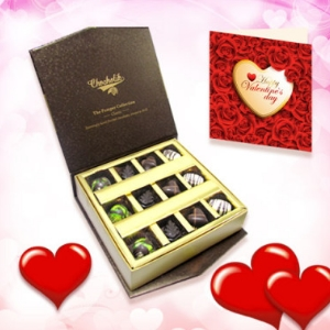 Pista and Nutty Chocolate Collection With Love Card
