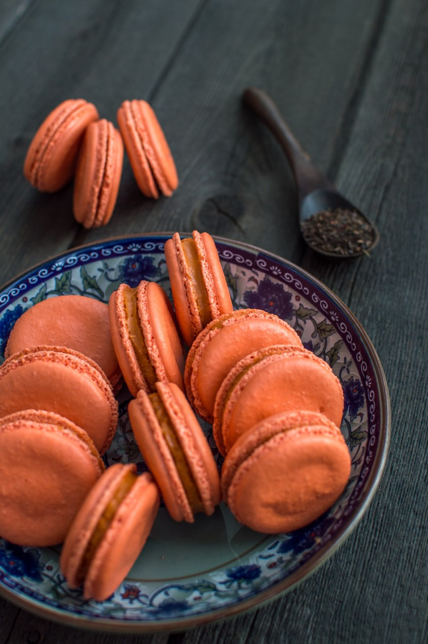 thai-milk-tea-macarons-7