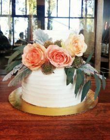 2 tiered wedding cake | earl grey | venue: sandbar