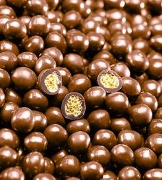 "Valrhona ""Caramelia"" Crunchy Perles  # 8425"