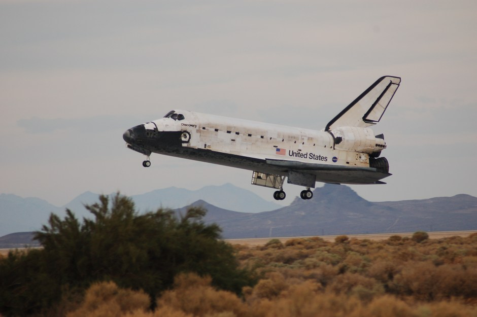space shuttle landing discovery - photo #12