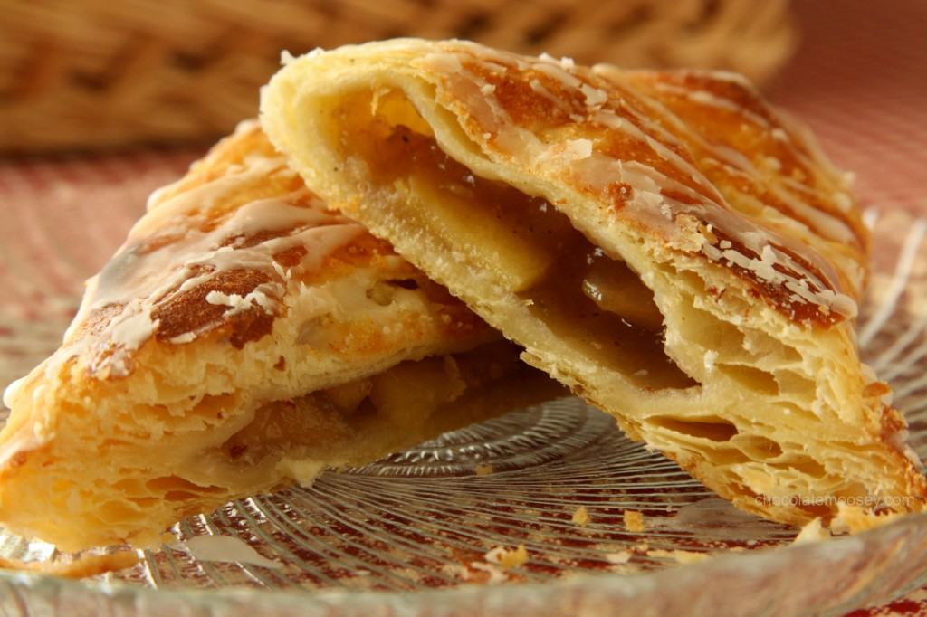 https://i2.wp.com/www.chocolatemoosey.com/wp-content/uploads/2012/09/Apple-Turnovers-9669-1024x682.jpg