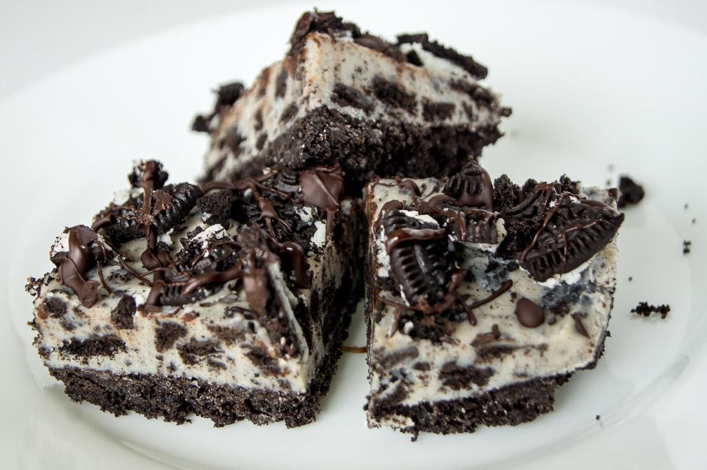 No Bake Oreo Cheesecake Bars, Oreo Cheesecake bars, Oreo Cheesecake, Cheesecake bars, No bake cheesecake, no bake oreo cheesecake, Best Oreo recipes, Oreo recipes, easy Oreo recipes, cookies & cream, cookies and cream recipes, Oreos, cookies and cream, easy oreo cheesecake, easy cheesecake, no bake cheesecake, oreo bars, no bake oreo cheesecake bites, oreo bites, Oreo Cookie Cheesecake, Oreo Cookie, Oreo biscuits, What is Oreo, dark chocolate cheesecake,