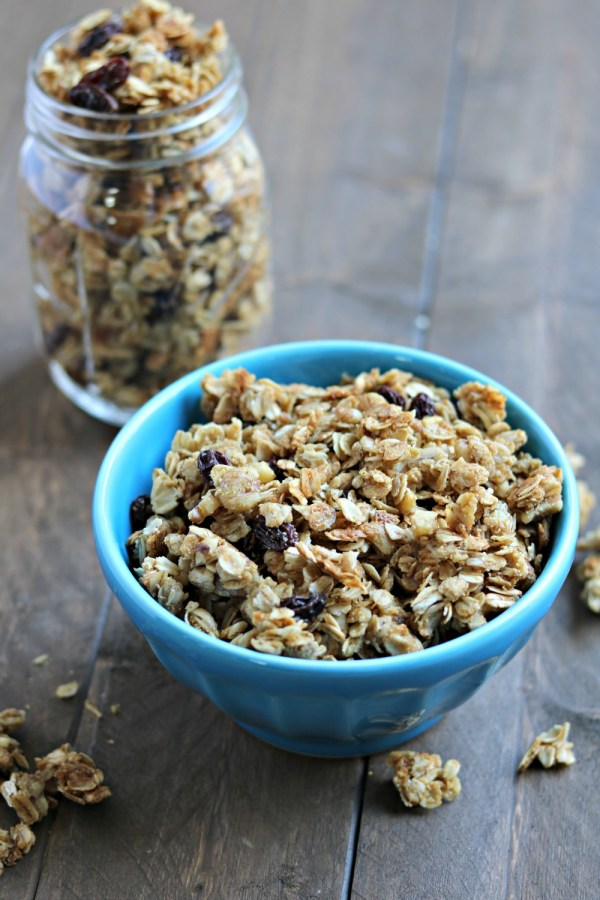 simple homemade granola with flaxseed