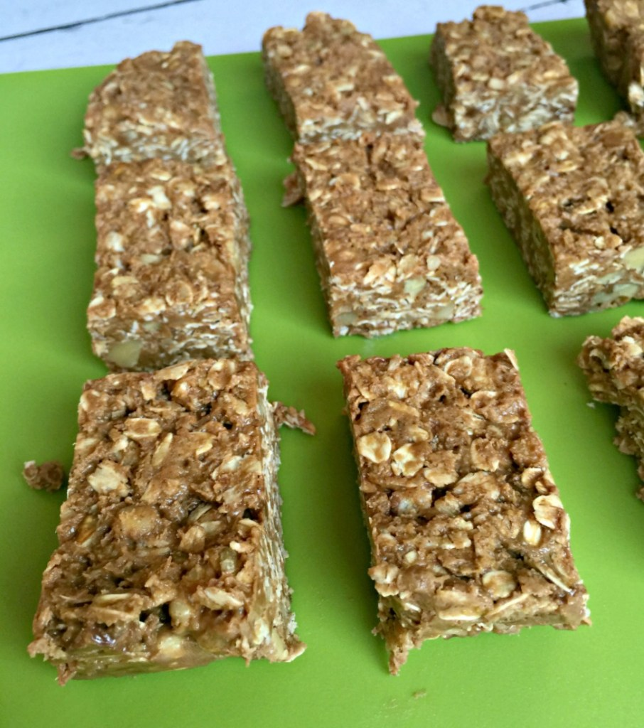 No Bake Nut and Oat Granola Bars