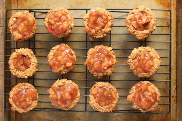 oatmeal-cookie-cups-apple-pie