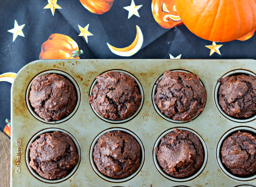 Chocolate Pumpkin Muffins (+a #Choctoberfest Lovers Giveaway!)