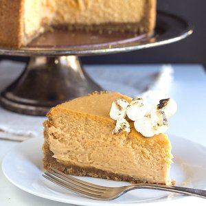 Sweet-Potato-Cheesecake-Cookie-Dough-and-Oven-Mitt