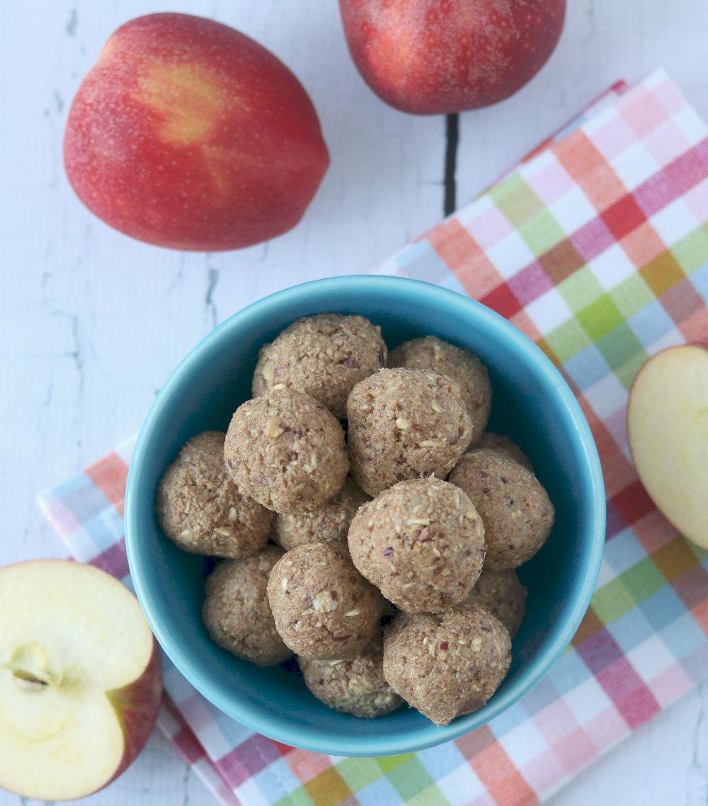 Cinnamon Apple Oat Energy Bites