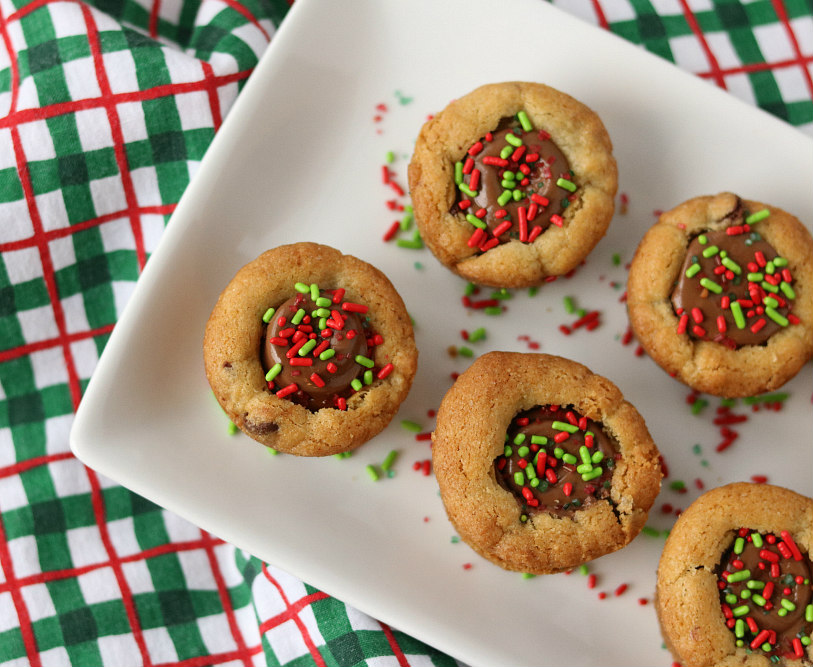 Christmas Mini Chocolate Chip Cookie Cups