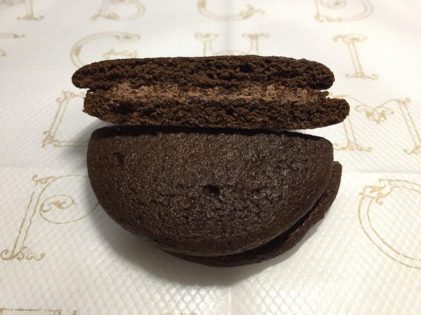 『ナチュラルローソン』の「しっとり濃厚チョコレートケーキ」ほどよいチョコ味