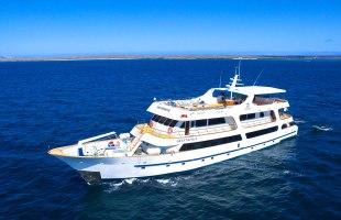 Galapagos cruise Yate Odyssey