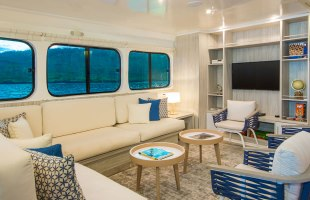 Galapagos cruise Solaris Yacht lounge area
