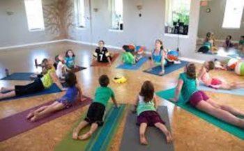 Yoga with kids: African Safari Theme