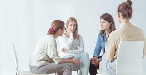 Working with a dietitian in group classes can help you learn from others who are struggling with the same problem.