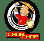 Chop Chop logó - Vidám ázsiai szakács ételt tart a kezében, evőpálcikákkal