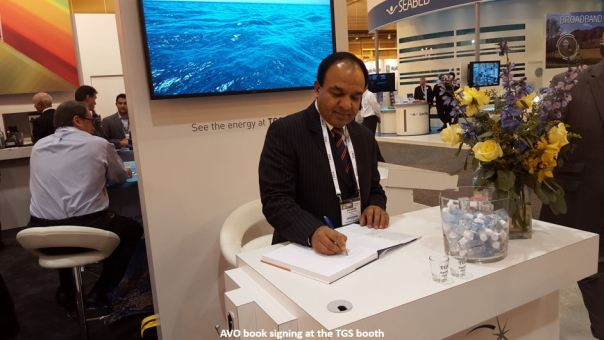 AVO_book_signing_2