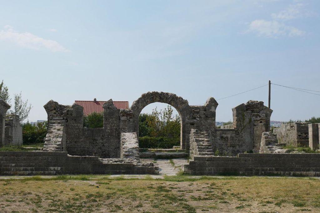 Architekturę starożytnego Rzymu charakteryzowały łagodne łuki