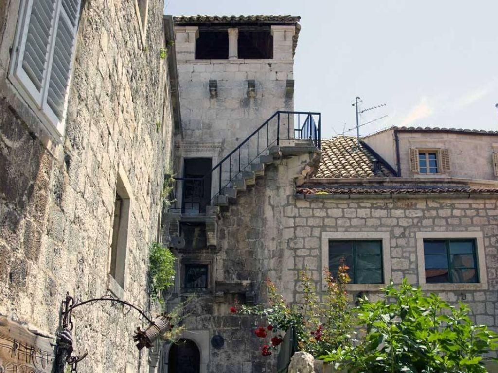dom Marco Polo na Korčuli, dziedziniec