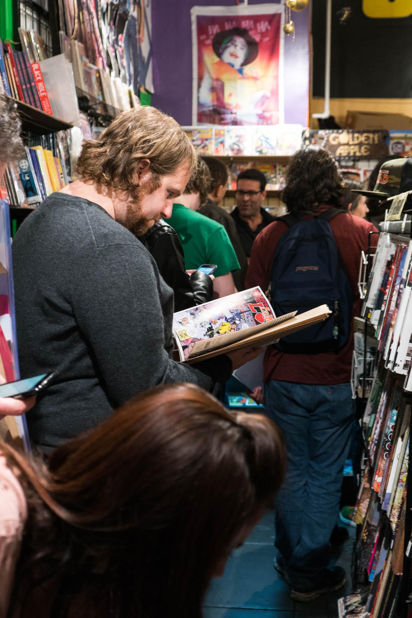 Love Is Love, Golden Apple Comics, Marc Andreyko, DC Comics, IDW Publishing, Crowd, Autograph, Line