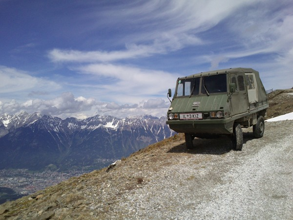 Small jeep at 2000m on the Patscherkofel