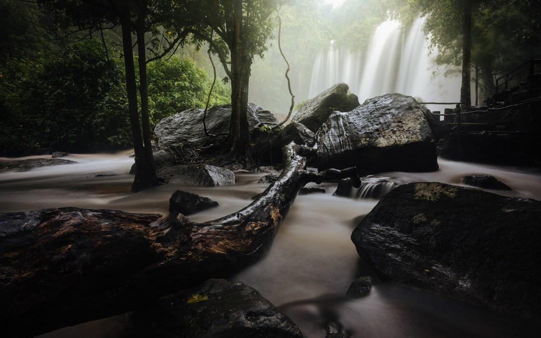 Take Stunning Long Exposure Photographs of Waterfalls