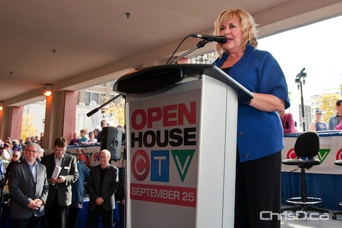 CTV weather specialist Sylvia Kuzyk speaks to the crowd of viewers and fans who came out on Saturday, September 25, 2010 for the CTV Winnipeg Open House at 345 Graham Avenue. (TED GRANT / CHRISD.CA)