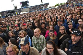 Fans pack Canad Inns Stadium for U2 on Sunday night. (TED GRANT / CHRISD.CA)