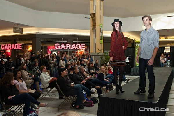 Models pose at the end of the catwalk at KP's Fashion Takeover event at Kildonan Place Shopping Centre on Saturday, October 22, 2011. (TED GRANT / CHRISD.CA)