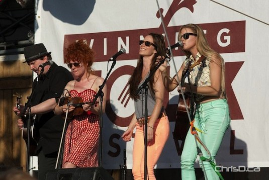 Ontario roots trio Belle Starr performs at the Winnipeg Folk Festival on Sunday, July 8, 2012. (TED GRANT / CHRISD.CA)