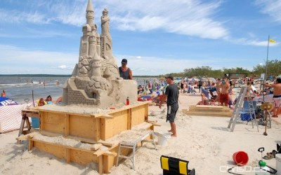 Constructing Manitoba's Largest Sand Castle
