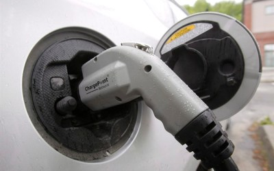 Liberals Would Offer Rebate to 'Drive Clean'