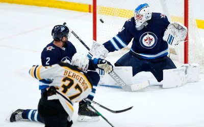 Winnipeg Loses Fifth Straight as Jets Fall to Bruins 2-1
