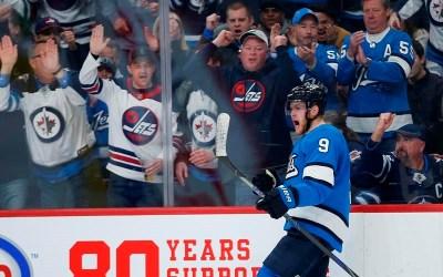 Roslovic Scores Twice as Winnipeg Jets Edge Division-Leading Blues 5-2