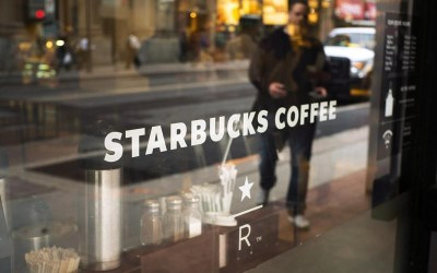 Starbucks Canada to Require Customers Wear Masks in Stores