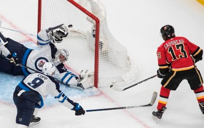 Jets Grounded by Flames 4-1, Winnipeg's Scheifele Injured