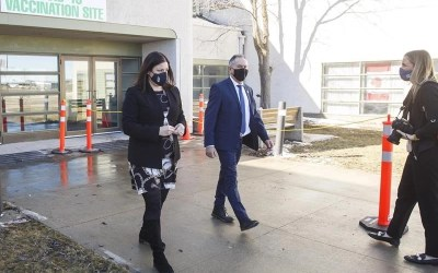 Manitoba Opposition Parties Call for New Restrictions as COVID-19 Case Count Jumps