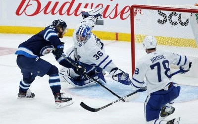 Connor Scores Twice, Jets Beat Leafs in Regular-Season Finale
