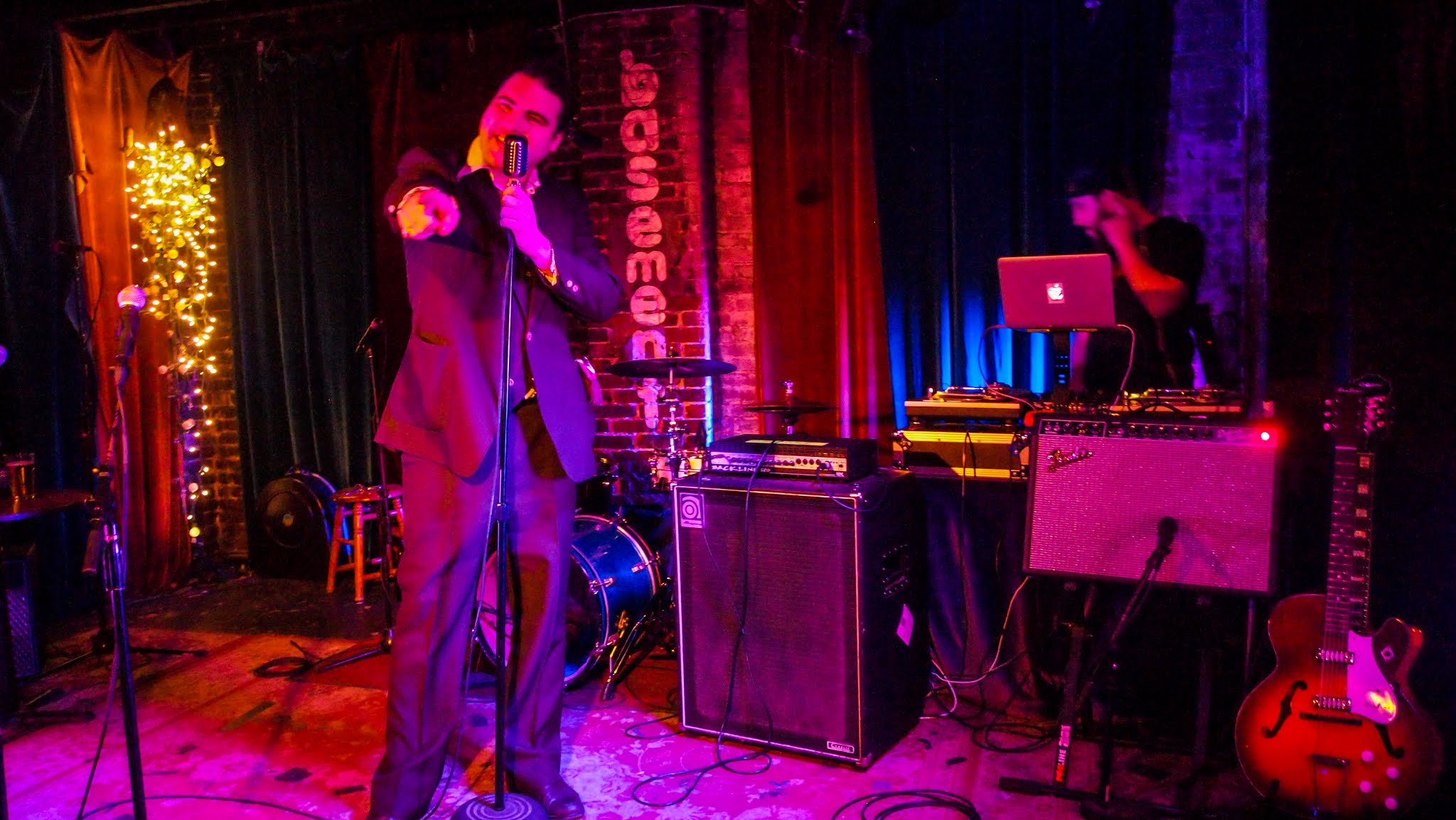 Wally Clark DJ Rate Basement Nashville Live
