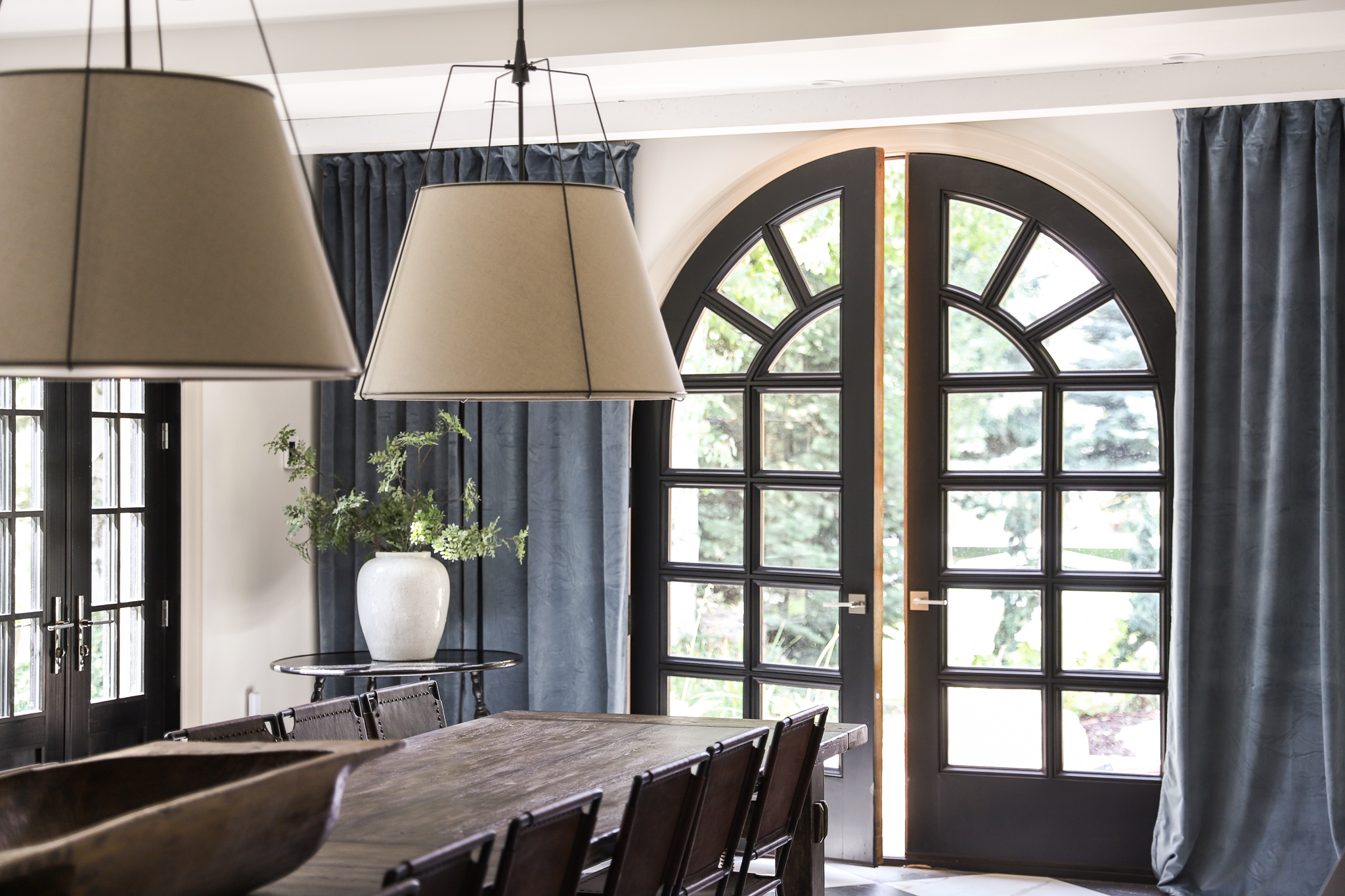 hanging ceiling mount curtains in the