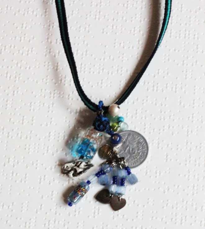 colliercollection-perle-verre-piece-ancienne-médaille-perle.pierre