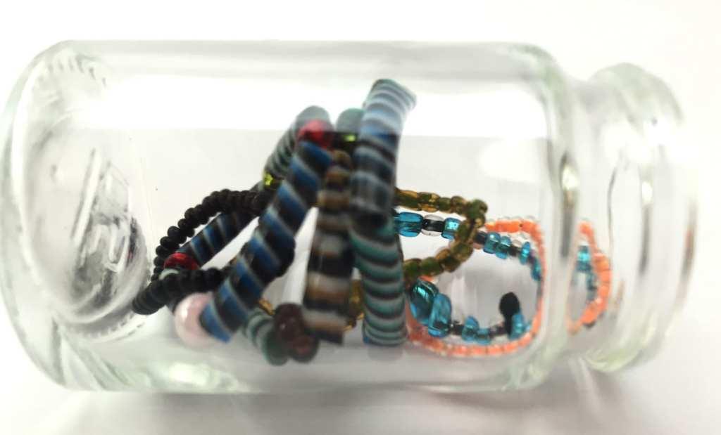 bagues-fil-perles-plastiques-recyclés