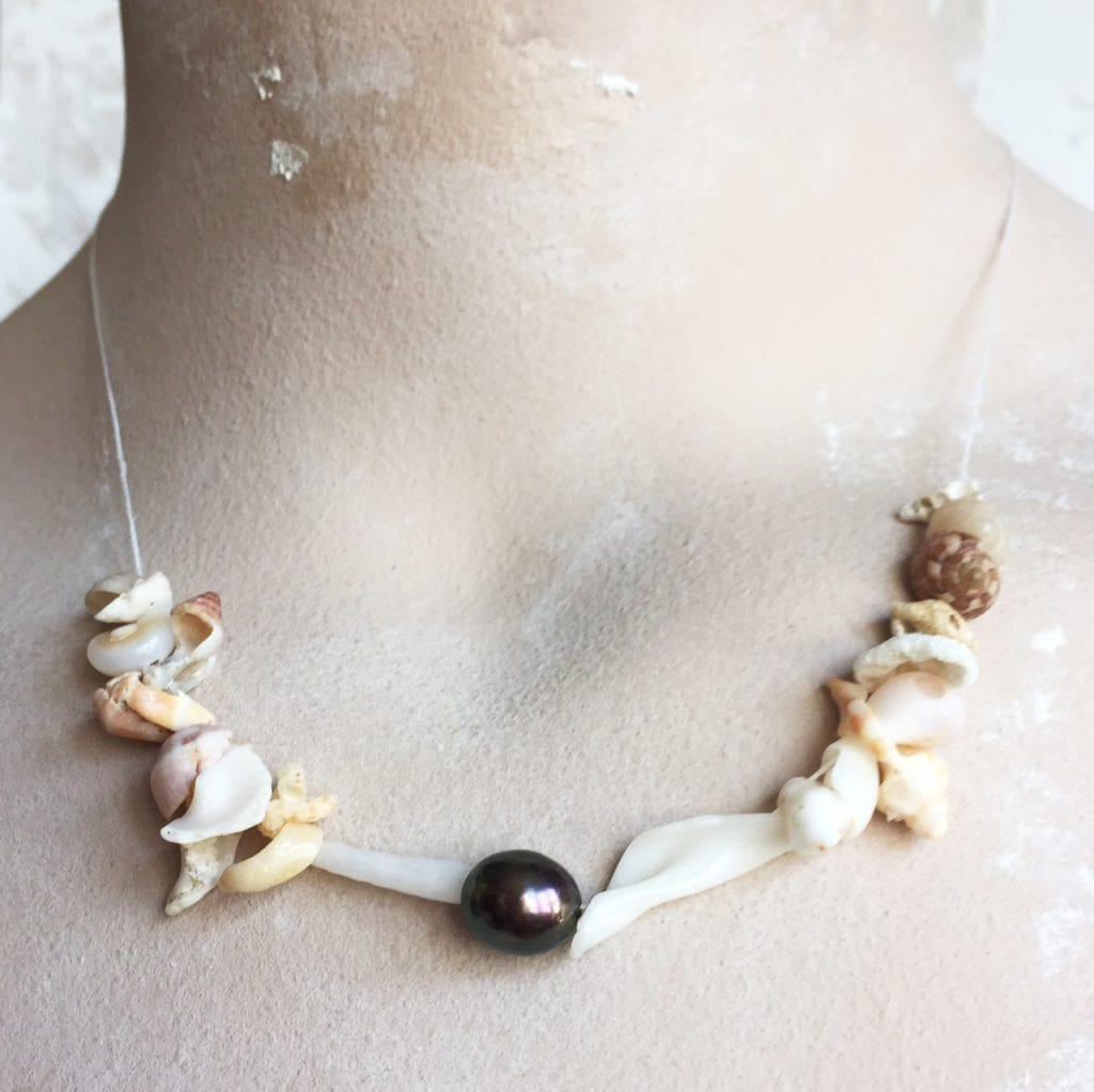 collier-coquillage-perle-d'o-noire