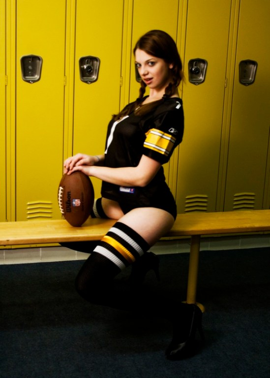 sarah locker room 4