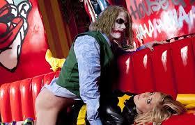 Joker rapes Batgirl