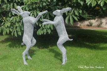 Boxers by chris moss wire sculptor in yorkshire