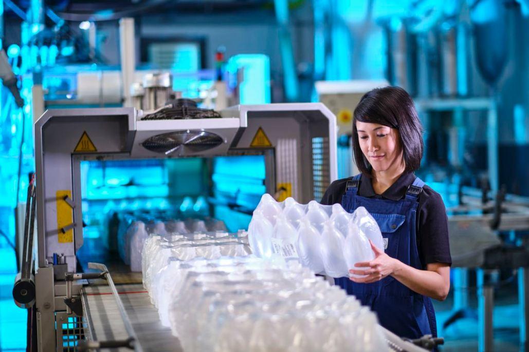 Industriefotograf, Industriefotografie, Kunststoff-Industrie, Blasform-Technik, Blasform-Maschine, Kunststoff-Branche